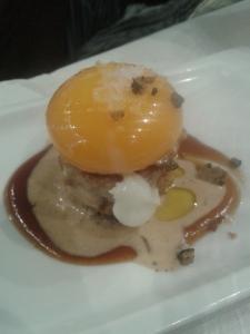 Huevo sobre fondo de Foie de Eslava