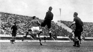 Imagen del partido de Florencia del 34 entre Italia y España