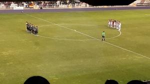 Jugadores de Córdoba y Rayo guardan un minuto de silencio en el partido de la primera vuelta en Vallecas