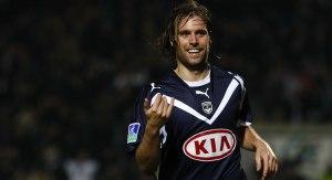 Cavenaghi celebrando un gol con el Girondins