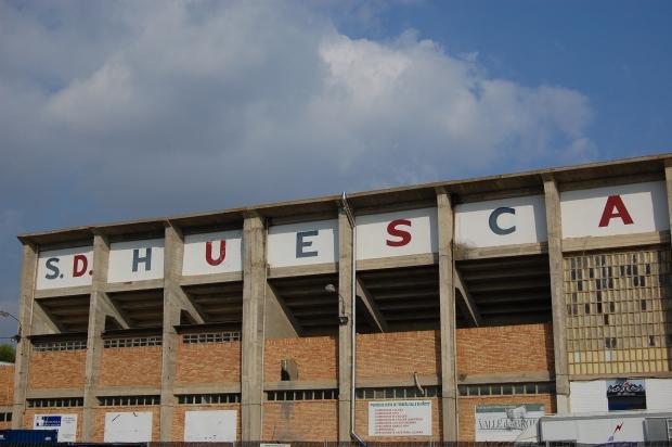 Estadio_de_El_Alcoraz.jpg